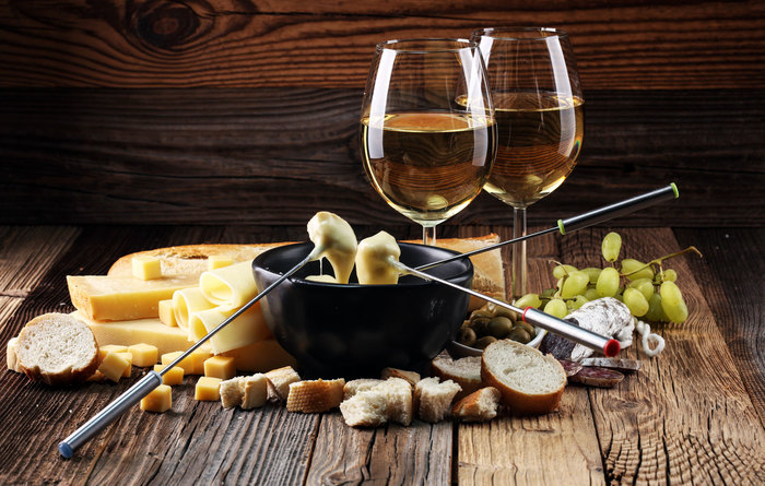 Swiss-Wine--Fondue-Switzerland.jpg