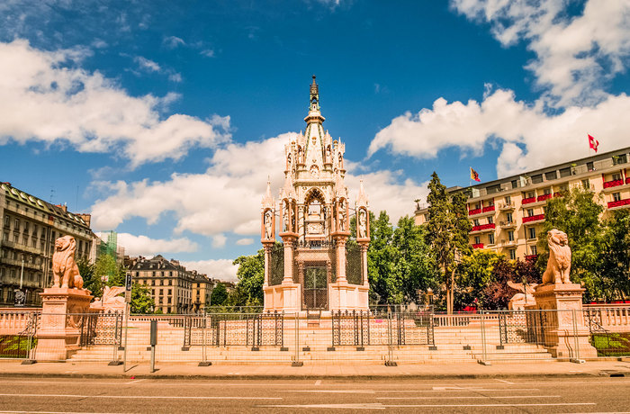 Brunswick-Monument-in-Geneva-Switzerland.jpg