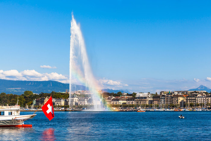 Jet-dEau-Fountain-in-Geneva-Switzerland-1.jpg