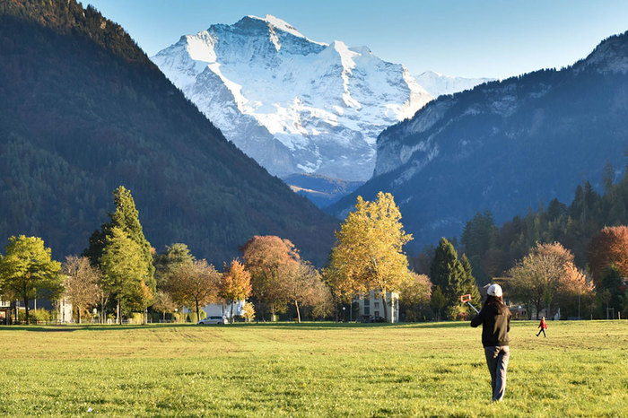 Interlaken mountains.jpg