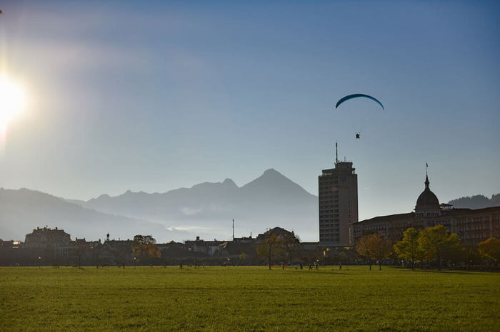 Private Trip From Geneva to Bern & Paragliding in Interlaken