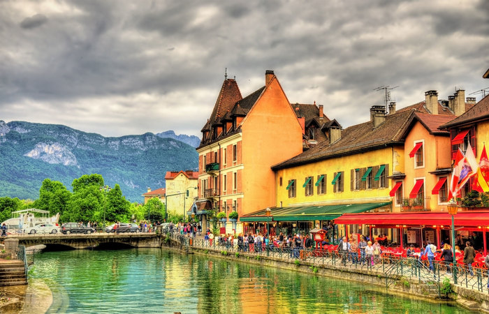 Private Trip From Geneva to Annecy