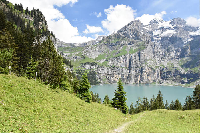 Mountain Lake Oeschinen.jpg
