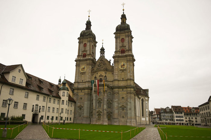 Saint-Gallen-Abbey-Library.jpg
