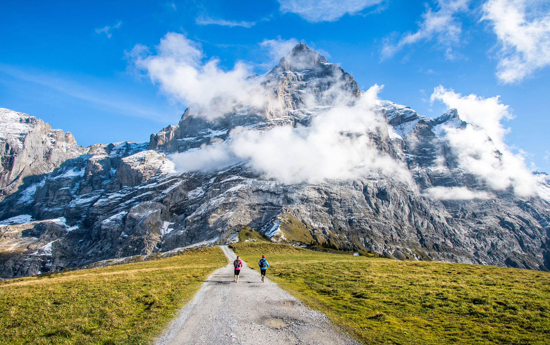 Hiking-in-Grindelwald-Switzerland.jpg